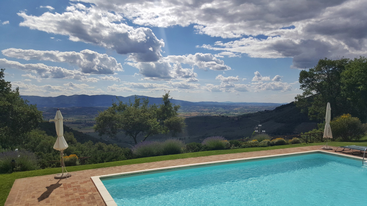 Summer 2020, Book an Umbria Holiday House!